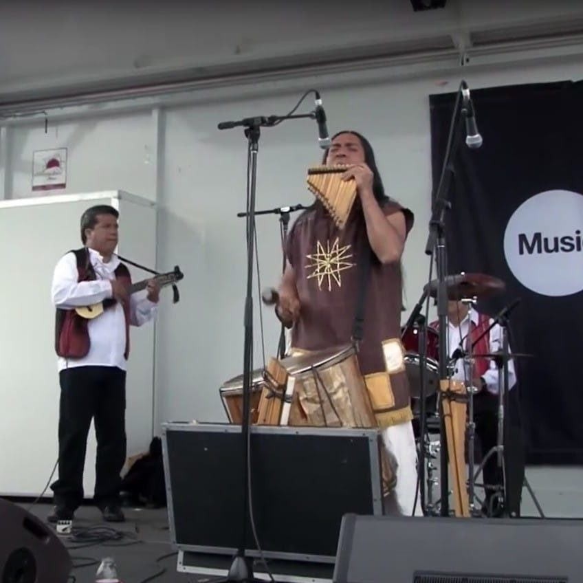 Raíces Group in performance